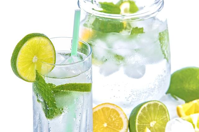 Los peligros ocultos de un destilador de agua pura: por qué no es la mejor opción para su agua potabl