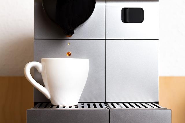 Nespresso XN20023 Essenza Coffee Maker revisión
